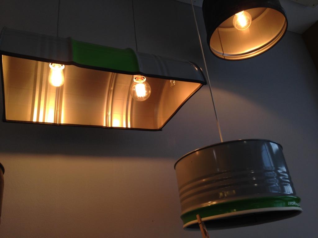 Lampen aus Fässern